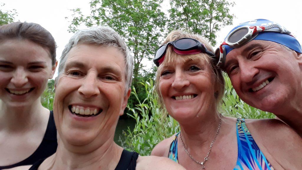 4 swimmer selfie